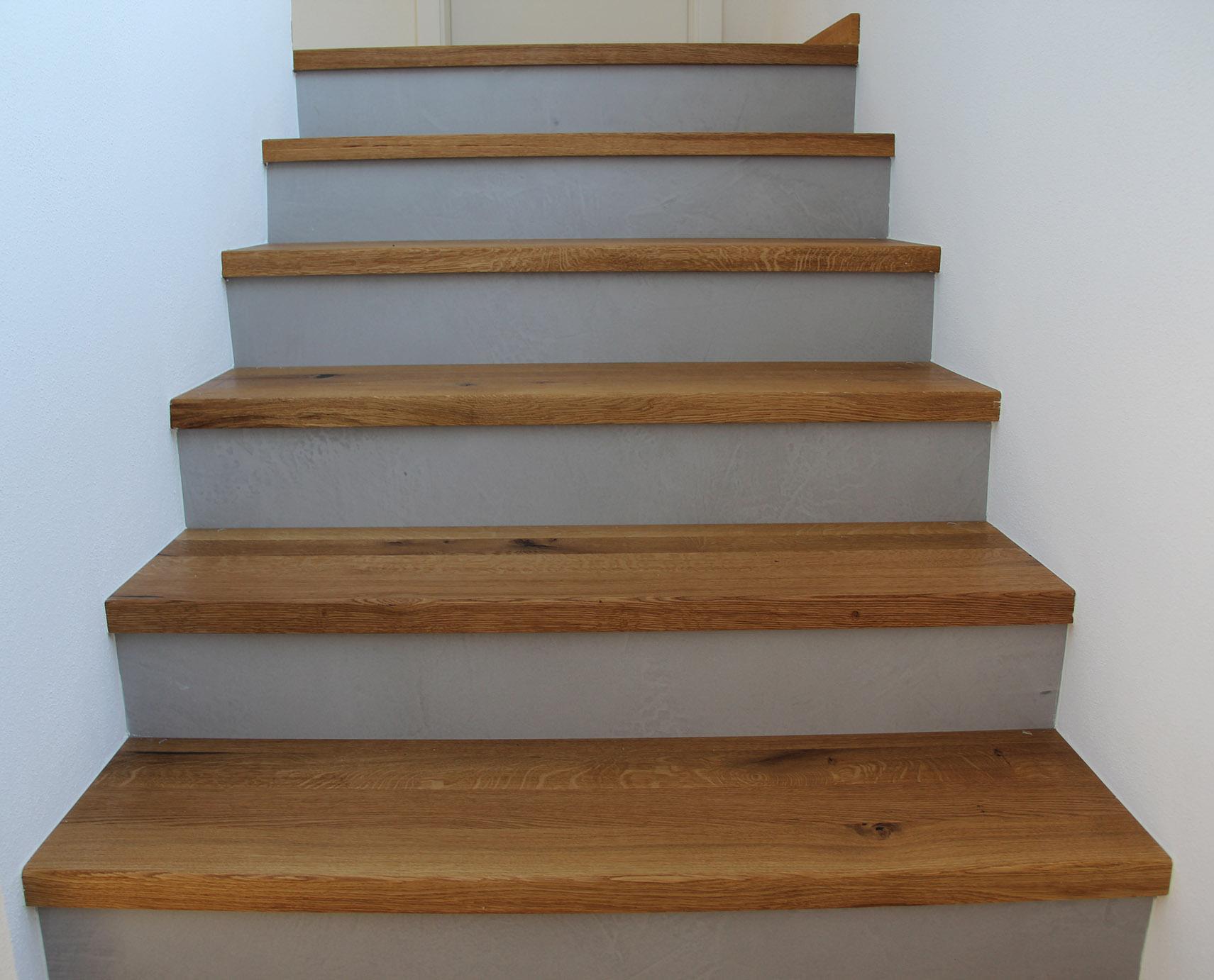 Treppen Beton und Holz
